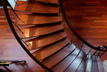 Ξύλινες & Μεταλλικές Επιφάνειες / Οι επιφάνειες από ξύλο ή μέταλλο αναβαθμίζουν τους χώρους του κτιρίου ή κατοικίας μας αλλά χρειάζονται φροντίδα και άμεση διόρθωση των φθορών τους (πχ σαράκι,σκουριά) αν αυτές παρουσιαστούν