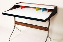 TABLE / Acrylic Table