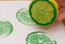 Рисунок из отпечатка краски от фруктов и пр