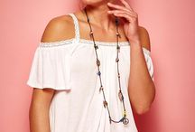 Blusas de renda / Aposte na blusa de renda e componha  looks delicados e modernos.