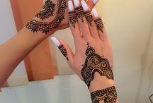 Nails & henna tattoo / #nails #henna #tattoo #white #nails&henna #manualpainting #nailboutiquecluj