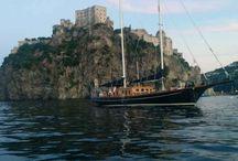 Les plus belles Goélettes pour vos vacances croisières / Profitez des services de nos experts pour embarquer à bord des plus beaux bateaux sur toutes les mers du globe.