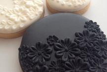 sugarpaste cookies