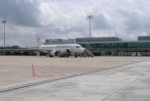 Aeropuerto de Valladolid / El aeropuerto de Valladolid -situado en el término municipal de Villanubla, a diez kilómetros de la ciudad- se ha convertido en un importante factor de desarrollo socioeconómico de la capital vallisoletana. http://ow.ly/Gx6Tk