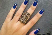 Μπλε νύχια