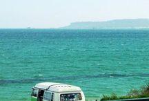 Vans et bus / La vie sur la route en van ou en bus a quelque chose qui m'attire : ce mélange du camping et du road trip.