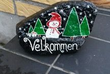 Christmas - Painted stones