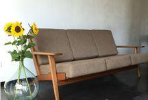 LOVT loves Wegner / Vintage design meubels van Hans Wegner loft industrial eclectic interior bank sofa interieurontwerp retro interiordesign