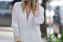 blusa branca com pedra no punho
