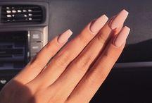 Ногти телесного цвета