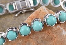Sonoran Turquoise / Sonoran Turquoise is a gemstone known for its beautiful and distinctive blue color with green undertones.
