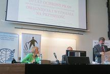 20 lat ochrony praw / Na ile skutecznie są chronione dodatkowe prawa wynikające ze statusu obywatelstwa unijnego, nadane w 1993 r. Traktatem o Unii Europejskiej z Maastricht? To temat VI Dorocznej Konferencji Poznańskiego Centrum Praw Człowieka Instytutu Nauk Politycznych PAN, jaka odbyła się 23 października 2013 r. w Poznaniu, pod honorowym patronatem Przedstawicielstwa Komisji Europejskiej w Polsce.