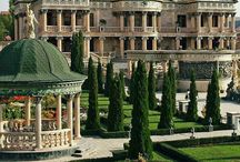 White Castle gardens