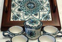 Servizio caffè per 4,in ceramica con vassoio in legno e ripiano in ceramica