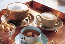 Um Cappuccino Vermelho - Café / O café fascina-me. Talvez não tanto como fascina o meu personagem Ricardo Neves, mas o suficiente para lhe dar um bom destaque neste espaço.
