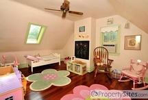 Decor: Cute Girls' Rooms / by Joan Redmon