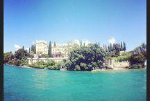 Isola del Garda / La posizione dell'Hotel Mayer & Splendid, nel centro di Desenzano del Garda, permette di raggiungere facilmente i vari porti d'imbarco per l'escursione all' Isola del Garda...