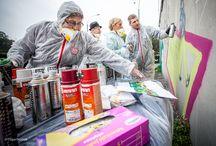 Seniorzy malują graffiti w Sosnowcu.