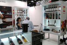 Cariñena Ambassadors / Gente disfrutando de nuestro vino por todo el mundo. People enjoying our wines around the world.