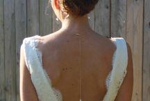 Mariée et Robe de Mariée / Robe de mariée Coiffure et maquillage de mariée Bijoux mariée Bouquet de mariée
