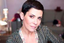 Cristina Cordula / Cristina Cordula grande styliste et qui a plusieurs émissions .