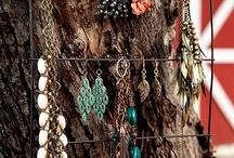 Jewelry and jewelry organizers