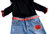 CONJUNTO ANNIE EUROPE / Conjunto de 3 peças: short denim, blusa e cinto Estilo Europeu Short denim bordado com cinto Blusa de mangas compridas Tecido da blusa: malha de lã fina acrílica Com elástico nos punhos Decote canoa