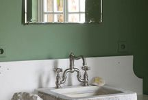 Get The Look - Vintage Bathroom / Recreate Lionel's look with our Get The Look
