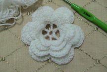 Tığ ile çiçek yapımı