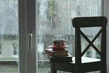 E assim são meus dias de chuva. / Dias de chuva nos trazem nostalgia... saudades de ser bom, de amar e compartilhar. Chuva é Deus lavando a casa do coração.