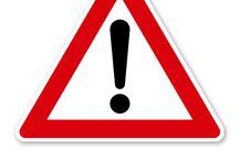 Gefahrzeichen / Gefahrverkehrszeichen nach StVO oder praxisbewährt. In dieser Schilderkategorie finden Sie Gefahrzeichen - Verkehrsschilder nach StVO oder in einer praxisbewährten Ausführung für die Nutzung auf Betriebsgelände und privaten Liegenschaften.