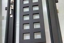 PICASSO'S (DOORS)