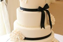 Plain white wedding cakes