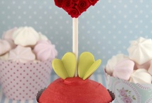 Beautiful macaroons & cupcakes