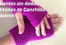 a y Fingerless gloves