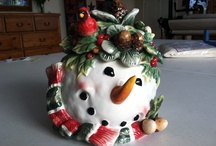 snowman cookie jars / by Debra Koch