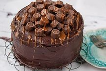 CHOCOLATE ROLO CAKE