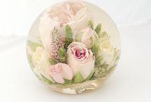 paperweights / Amazing wedding flower paperweights