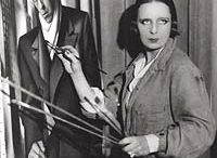 tamara de lempicka / Tamara de Lempicka o Tamara Łempicka, nacida Maria Górska, fue una pintora polaca que destacó por la belleza de sus retratos femeninos y desnudos, de pleno estilo art decó.