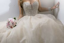 Wedding Dress Inspiration / Amour's favorite dresses on Pinterest