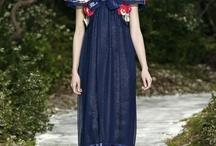 Chanel-Paris Fashion Week / Karl Lagerfeld presentó la colección primaveral de la casa de modas francesa, donde destacó el dramático maquillaje y las siluetas femeninas. Lee nuestra nota en http://bit.ly/WKJi4b