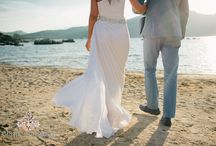 wedding on the beach / the most beautiful location to celebrate the day of your dreams