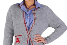 Trachten Strick Damen / Strickwesten und Jacken von Stockerpoint passen hervorragend zu traditionellen Hemde, Blusen, Dirndl, Lederhosen sowie zur modernen Kleidung. Wenn es abends im kurzärmeligen Dirndl zu kalt wird, ist eine Weste oder Jacke aus Strick genau das Richtige! Kleidung aus Strick ist zeitlos und wird Ihnen in vielen Jahren noch viel Freude bereiten.