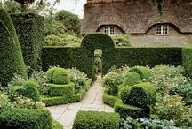 Gardens / Hidcote Manor
