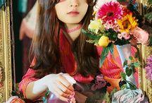 I Love Gugudan ⚠ / Gugudan:  Active: 2016-//// Debut date: 28.06.2016  Members:  Mimi - 01.01.1993 (24) Hana - 30.04.1993 (24) Haebin - 16.08.1995 (22) Na Young - 23.11.1995 (22) Sejeong - 28.08.1996 (21) Sally - 23.10.1996 (21) Soyee - 21.11.1996 (21) Miba - 04.12.1999 (18) Hyeyeon - 05.08.2000 (17)