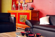 Rue de Siam - meubles chine ancienne / Des meubles chinois anciens, des objets insolites, des coup de coeur travaillés avec art et savoir-faire, des pièces uniques dénichées ici et là au fil de nos voyages en Chine. Choisies une par une, restaurées et relaquées avec soin pour un rendu spectaculaire puis acheminées pour vous par container, ces pièces uniques nous ont séduites pour leur élégance ou leur sobriété.