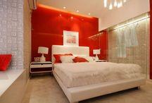Красная стена. Да или нет? / Красный — это цвет страсти, любви и жизненной силы, но достаточно ли это везкий аргумент чтобы покрасить стену в спальне в красный?