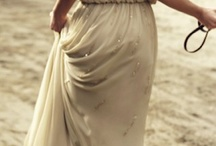 Beach Bliss / Beachy inspiration for your wedding day in the sand!