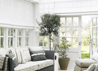 Conservatory/extension / by Charlotte Wills