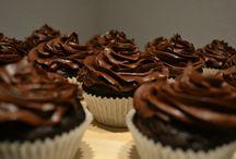 Cupcakes / Cupcakes by Kolva's Bakery